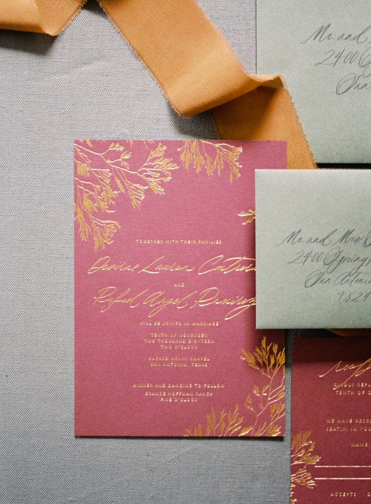 Isidore + Augustine is a fine art wedding paper company based out of Texas. Meet Nicolette, the creative behind the pen, and hear about her process and client experience!
